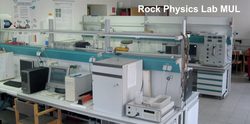 The study program also offers a Rock Physics Lab.